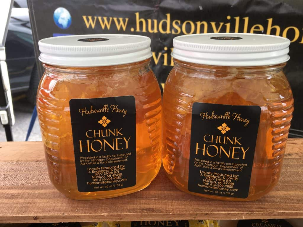 Chunk honey in jars
